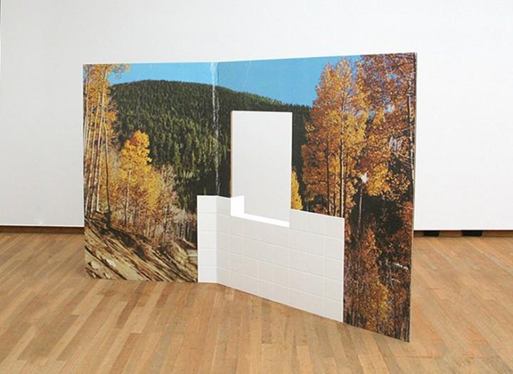 Berndnaut-Smilde-Kammerspiele-Karton-fotobehang-en-tegels-2012-2013-